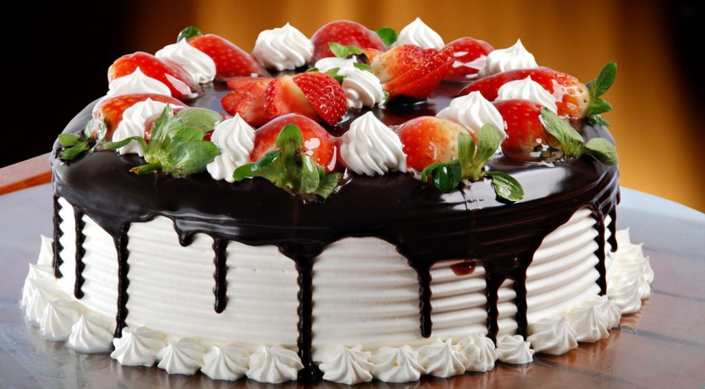 Benefits of Cake and Flower Delivery Service